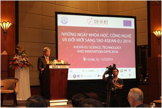 Thứ trưởng Bộ KH&CN Trần Việt Thanh phát biểu tại Lễ khai mạc