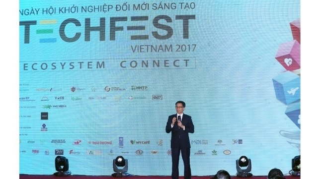 Deputy PM Vu Duc Dam speaks at the opening of Techfest 2017 in Hanoi on November 14. (Credit: VGP)