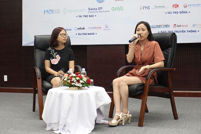 Chị Nguyễn Thị Vân Anh (bên phải), Sáng lập startup y tế Homecares, cho biết, tham gia SURF năm ngoái mang đến cho startup của chị cơ hội gọi vốn đầu tư thiên thần từ một nhà đầu tư Singapore. Ảnh: Giang Thanh