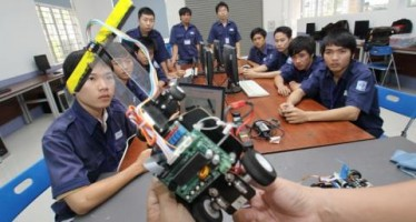 Nền công nghiệp của Việt Nam đang tụt hậu so với các nước trong khu vực?